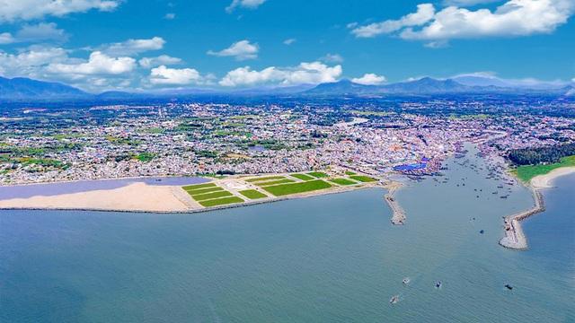 Bình Thuận đẩy mạnh đầu tư để nâng cấp La Gi lên thành phố trước năm 2025 - Ảnh 2.