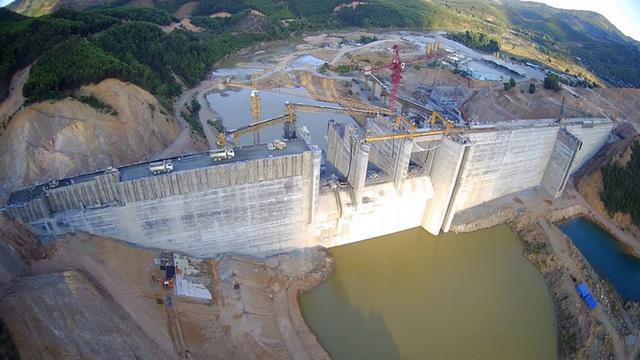 C47 ký gói thầu thi công xây dựng và lắp đặt thiết bị dự án Đập dâng Phú Phong - Ảnh 3.
