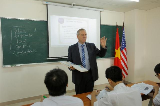 Thành công trong thị trường toàn cầu hóa với bằng MBA ĐH Lincoln (Hoa Kỳ) - Ảnh 1.