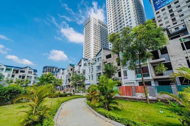 Thị trường căn hộ Hà Nội cuối năm 2021: Khan hiếm nhà ở giá bình dân - Ảnh 1.