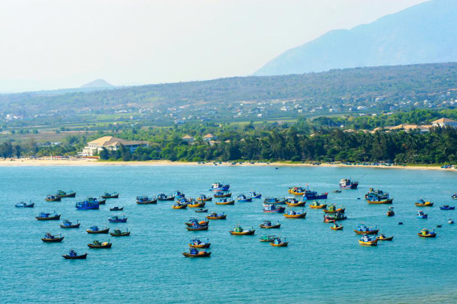 Nhà đầu tư tìm cơ hội ở cung đường ven biển mới nổi - Ảnh 1.