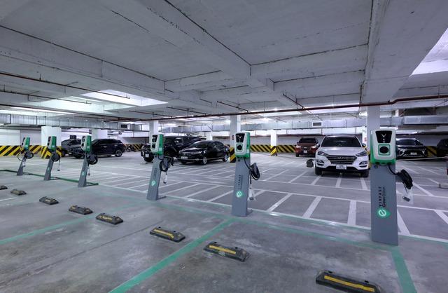 Viễn cảnh tương lai xanh sắp thành hiện thực với hơn 40.000 cổng sạc điện VinFast - Ảnh 2.