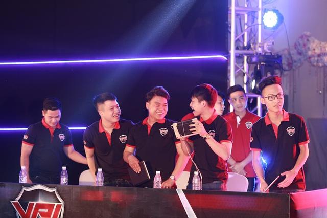 Chức vô địch CKM Bắc gọi tên Team Việt Nam