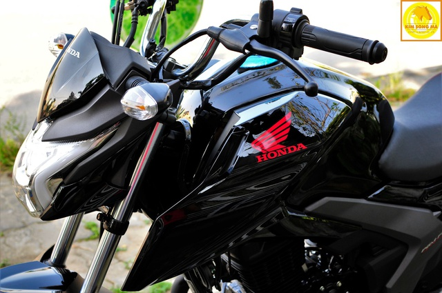 Honda CBF125R nên sử dụng dầu nhớt chuyên dụng cho xe côn tay Totachi Sport 4T 5w-40