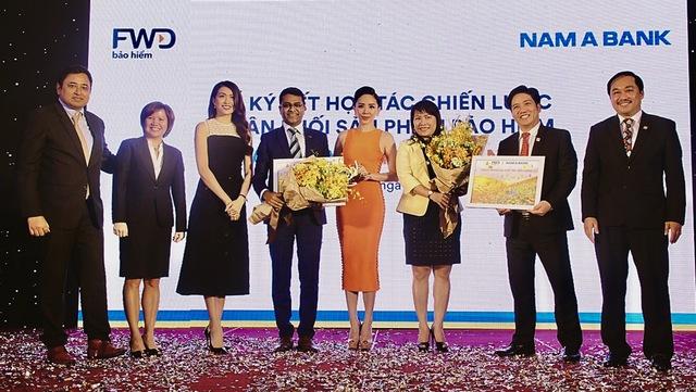 Bảo hiểm nhân thọ FWD ký kết hợp tác độc quyền 15 năm có Nam A Bank - Ảnh 1.