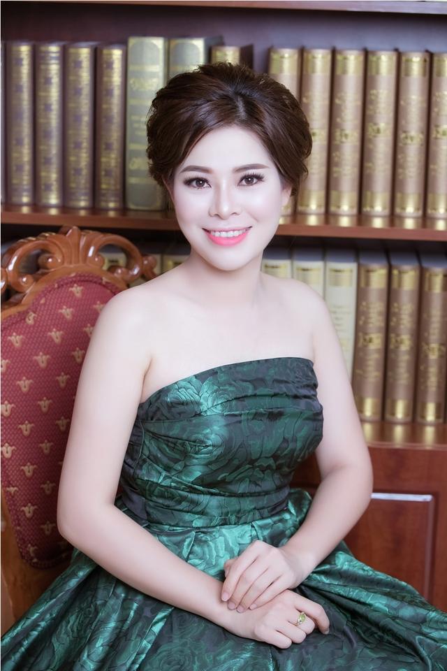 """Từ """"cô bé mót điều"""" trở thành CEO của thương hiệu mỹ phẩm Gold Linh Sam - Ảnh 2."""