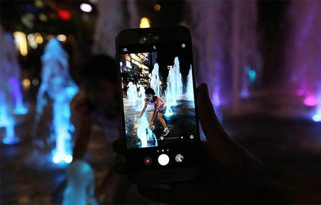 Lý giải thành công của vua smartphone tầm trung Galaxy J7 Pro: vẫn bán chạy nhất dù đã ra mắt 6 tháng - Ảnh 9.