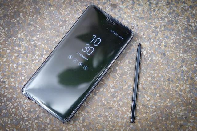 Galaxy Note FE đã chính thức lên kệ tại Việt Nam từ ngày 25/11 và có mặt tại rất nhiều hệ thống bán lẻ trên toàn quốc như Thế giới di động hay FPT Shop cùng nhiều chương trình khuyến mãi, quà tặng cực kỳ hấp dẫn.