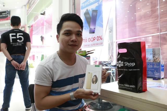 FPT Shop tài trợ 100% lãi suất trả góp cho smartphone tràn màn hình thời thượng - Ảnh 3.