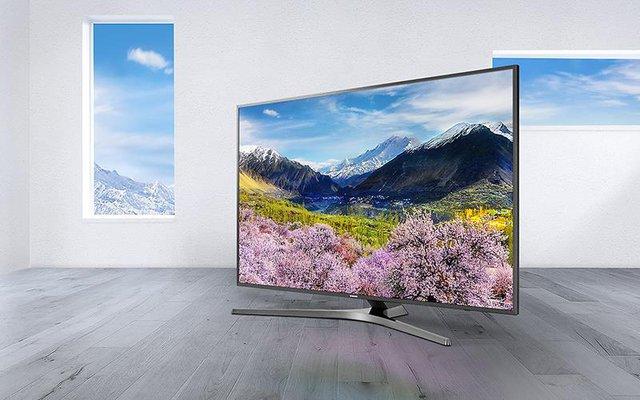 Màn hình độ phân giải 4K của chiếc TV này có thể hiển thị hình ảnh sắc nét chân thực với mật độ điểm ảnh cực cao, lên tới 8 triệu điểm ảnh. Đặc biệt với những công nghệ hình ảnh tiên tiến Smart TV Samsung là dòng sản phẩm duy nhất trên trường hiện nay đạt được các tiêu chuẩn về hiển thị nội dung 4K từ nhà cung cấp ứng dụng Fim+.