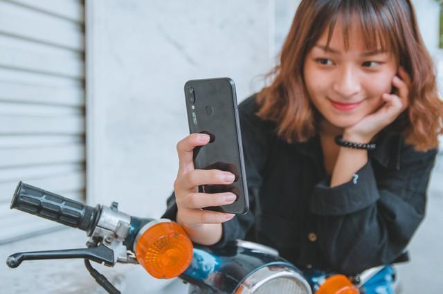 Huawei Nova 3e - Yêu ngay từ cái nhìn đầu tiên - Ảnh 2.