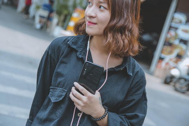 Huawei Nova 3e - Yêu ngay từ cái nhìn đầu tiên - Ảnh 3.
