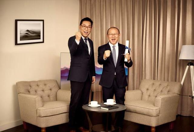 HLV Park Hang Seo lựa chọn TV QLED 2018, tất cả vì phong cách giản dị nhưng tinh tế - Ảnh 4.