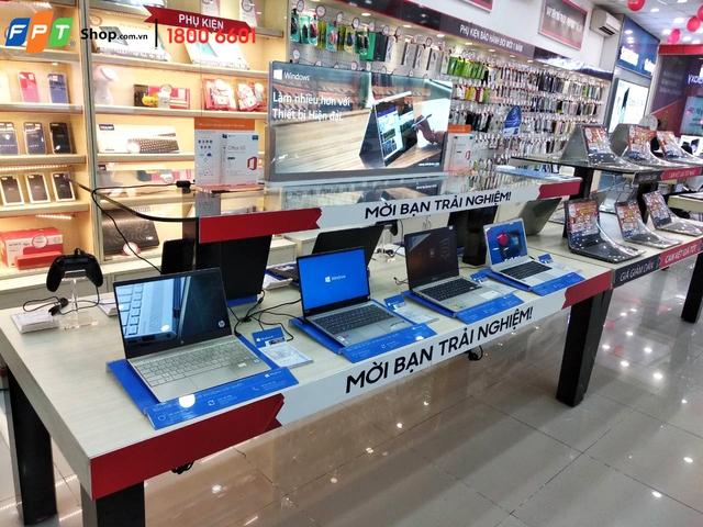 Live Demo Laptop tại FPT Shop: Đến là nhận quà, thả ga trải nghiệm - Ảnh 3.