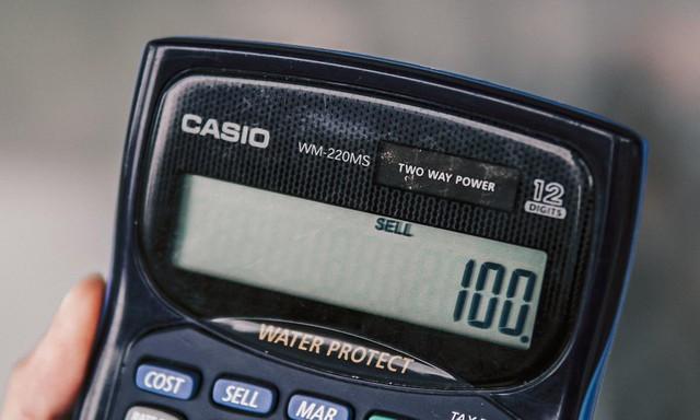 Trải nghiệm tính năng chống nước, chống bụi trên chiếc máy tính cầm tay WM-220MS siêu bền của CASIO - Ảnh 3.