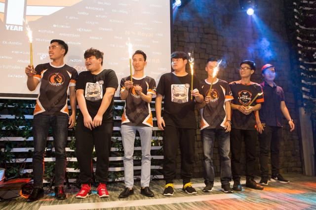 Biển người chúc mừng CrossFire Legends 1 tuổi với chặng đường huyền thoại - ảnh 10