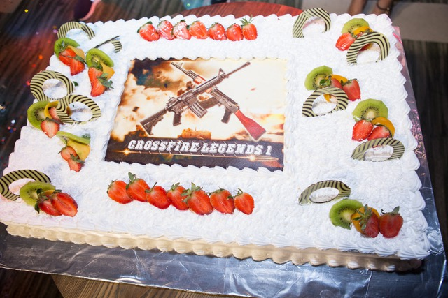 Biển người chúc mừng CrossFire Legends 1 tuổi với chặng đường huyền thoại - ảnh 11