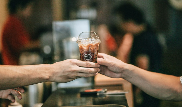 Bí quyết làm nên vị đậm đà của cà phê Việt Nam - Ảnh 2.