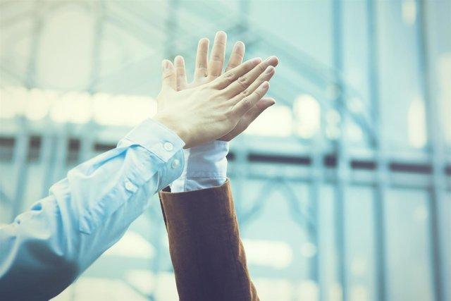 Quản trị nhân sự cần biết: lựa chọn bảo hiểm sức khoẻ hợp lý cho doanh nghiệp - Ảnh 1.
