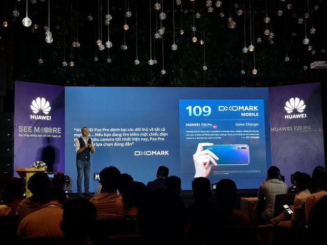 Các Reviewer chia sẻ gì về chiếc flagship cao cấp Huawei P20 Pro trong ngày ra mắt - Ảnh 2.