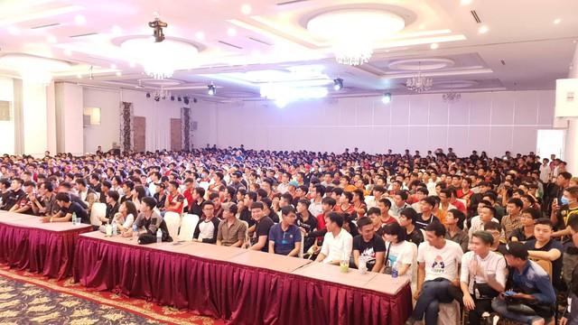Những khán phòng chật kín người trong offline sinh nhật Đột Kích tại Hồ Chí Minh và Hà Nội