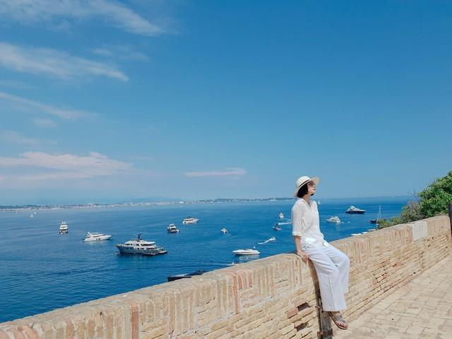 Kể cả những chuyến đi đắt giá đến Cannes - hành trình mang phim Việt ra thế giới vừa qua.