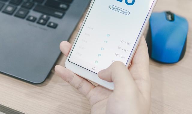 """""""Thích mê"""" với cử chỉ nút home như iPhone X và cảm biến vân tay cạnh viền trên Meizu M6S - Ảnh 4."""