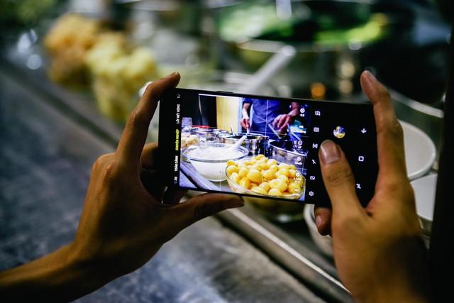 Với Galaxy S9+, tôi đã có những chuyến rong chơi đêm Sài Gòn chất như thế - Ảnh 7.