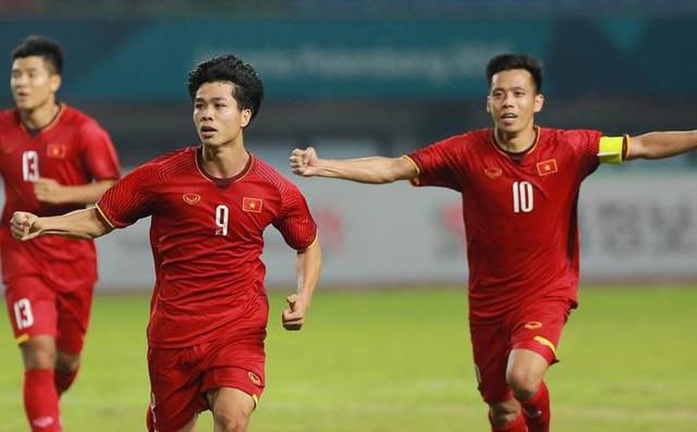 Xem U23 Việt Nam thi đấu bằng TV QLED là tuyệt nhất, đây là lý do tại sao - Ảnh 2.