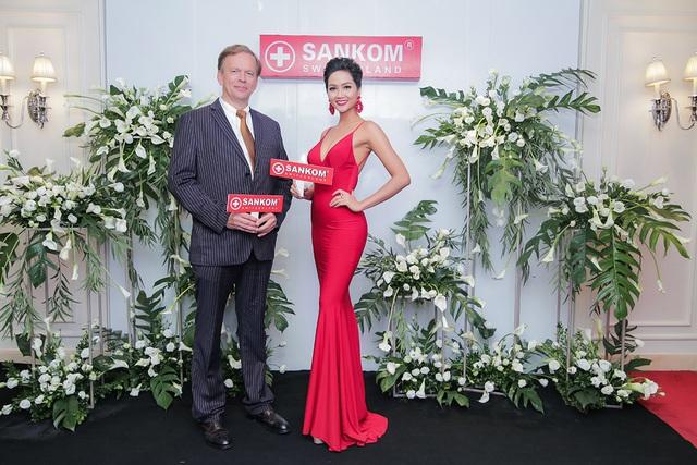 h'hen niê - img20181023161539886 - H'Hen Niê tự hào trở thành đại sứ ra mắt thương hiệu Sankom Thụy Sĩ tại Việt Nam