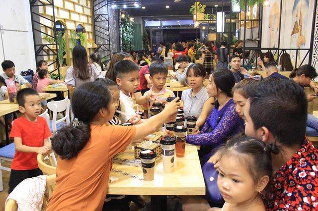 """CEO chuỗi cửa hàng trà sữa Pozaa Tea chia sẻ: """"Ngoài chất lượng sản phẩm - thiết kế không gian là điểm khác biệt để quán trà sữa hút khách"""" - Ảnh 2."""