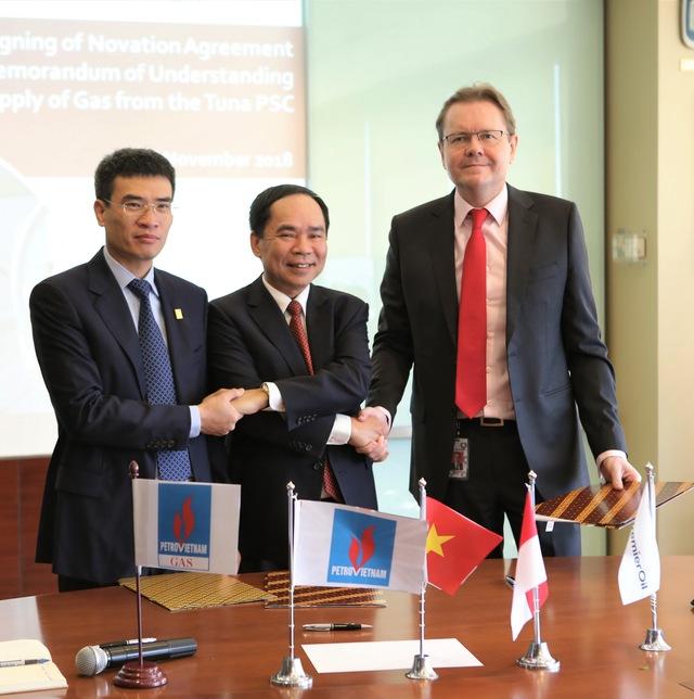 PVN – PV Gas ký thỏa thuận về việc cung cấp khí từ mỏ Tuna - Ảnh 1.