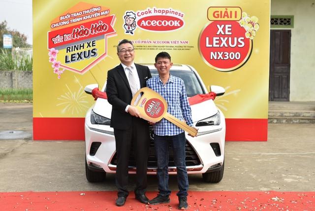 Lộ diện chủ sở hửu rinh xe hãng ES Lexus Thứ nhất của Hảo Hảo - Ảnh 3.
