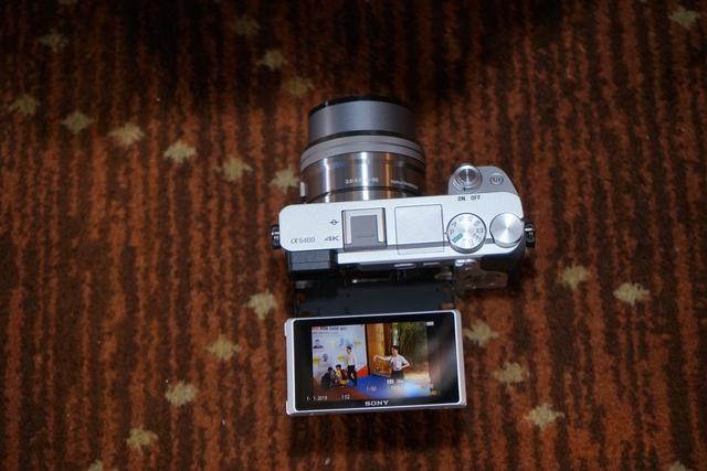Sony α6400 - máy ảnh có tốc độ lấy nét nhanh nhất thế giới - Ảnh 1.