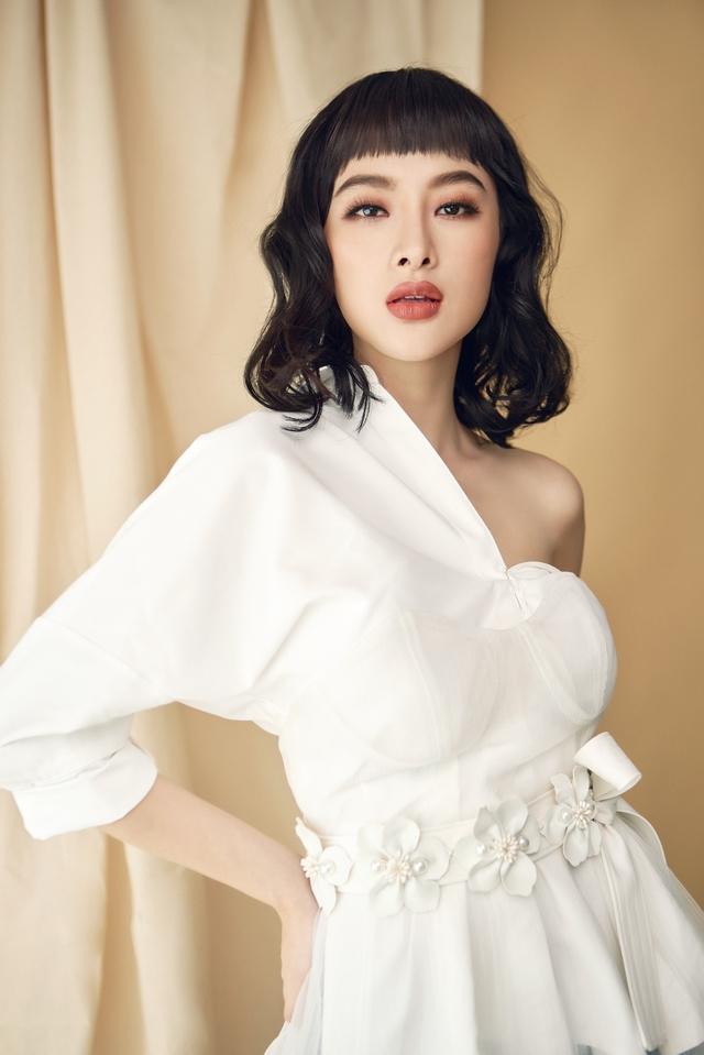 Angela Phương Trinh x Cocosin X Leflair - Show thời trang đầu tiên ở Việt Nam cho khách hàng mua trực tiếp trên livestream - Ảnh 2.