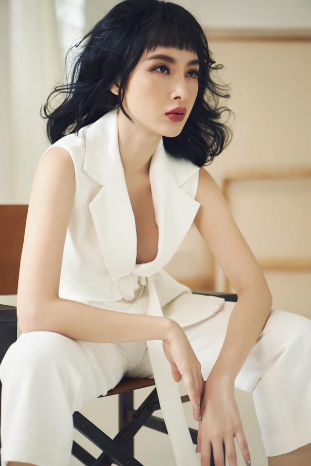 Angela Phương Trinh x Cocosin X Leflair - Show thời trang đầu tiên ở Việt Nam cho khách hàng mua trực tiếp trên livestream - Ảnh 3.