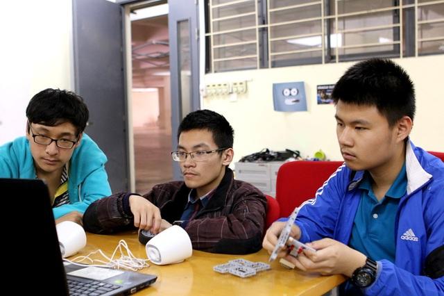 CLB Robotics trường THPT FPT đại diện Việt Nam tham gia cuộc thi quốc tế - Ảnh 2.