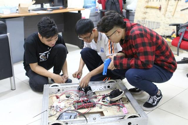 CLB Robotics trường THPT FPT đại diện Việt Nam tham gia cuộc thi quốc tế - Ảnh 3.