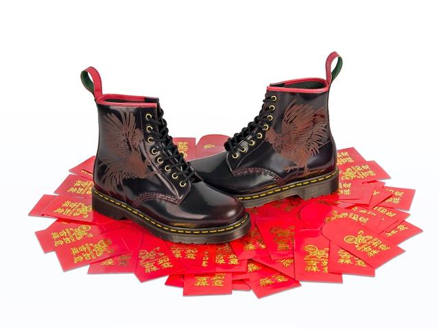 Điểm danh các mẫu giày độc nhất của Dr. Martens khiến giới mê giày phát cuồng - Ảnh 5.
