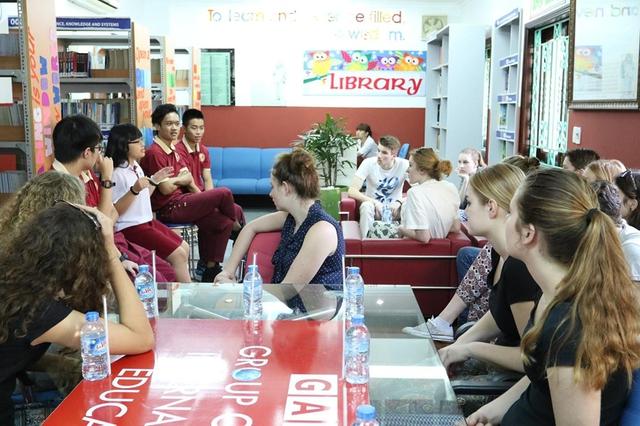 Học sinh trường Quốc tế Á Châu được 8 trường ĐH Mỹ cấp học bổng - Ảnh 2.