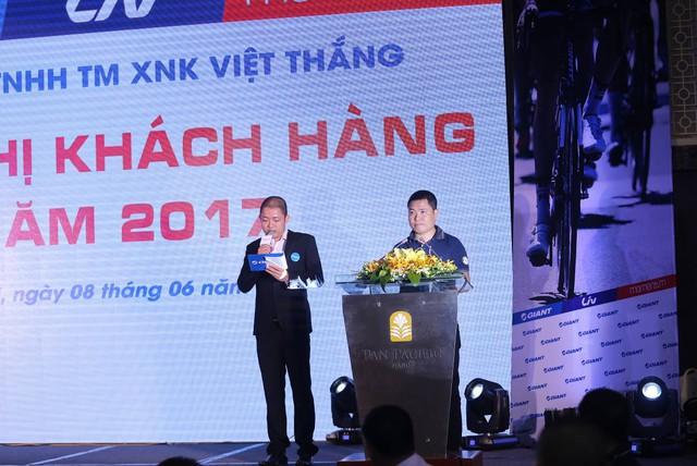 GIANT Việt Nam tặng xe điện 133DS mới ra mắt trong Hội nghị khách hàng 2017 - Ảnh 1.