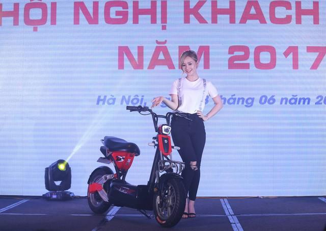 GIANT Việt Nam tặng xe điện 133DS mới ra mắt trong Hội nghị khách hàng 2017 - Ảnh 2.