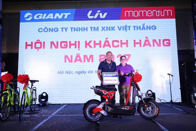GIANT Việt Nam tặng xe điện 133DS mới ra mắt trong Hội nghị khách hàng 2017 - Ảnh 5.