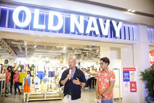 Minh Hằng nổi bật ngày khai trương cửa hàng Old Navy đầu tiên tại Việt Nam - Ảnh 8.