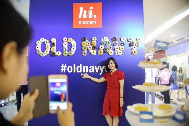Minh Hằng nổi bật ngày khai trương cửa hàng Old Navy đầu tiên tại Việt Nam - Ảnh 12.