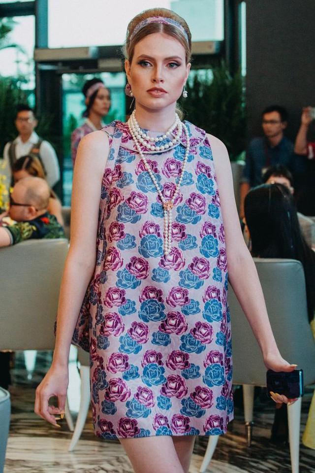 NTK Adrian Anh Tuấn: Galaxy S8 màu tím khói là nguồn cảm hứng giúp tôi sáng tạo trong thời trang - Ảnh 9.
