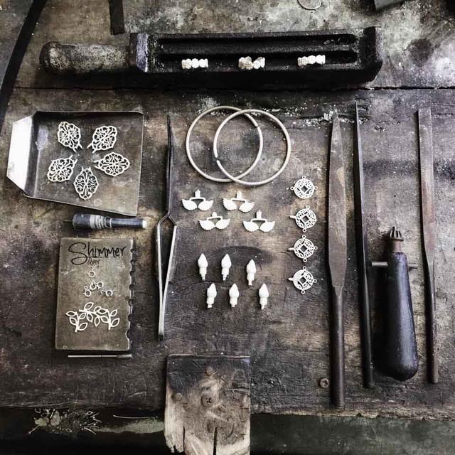 Nữ tính và lôi cuốn với phụ kiện trang sức bạc - Ảnh 15.