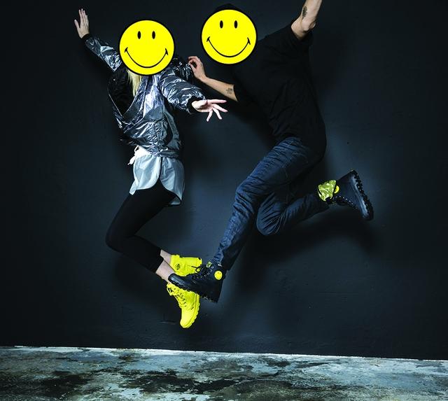 Palladium và Smiley tung BST giày cực cool nhân dịp lần đầu kết hợp - Ảnh 2.