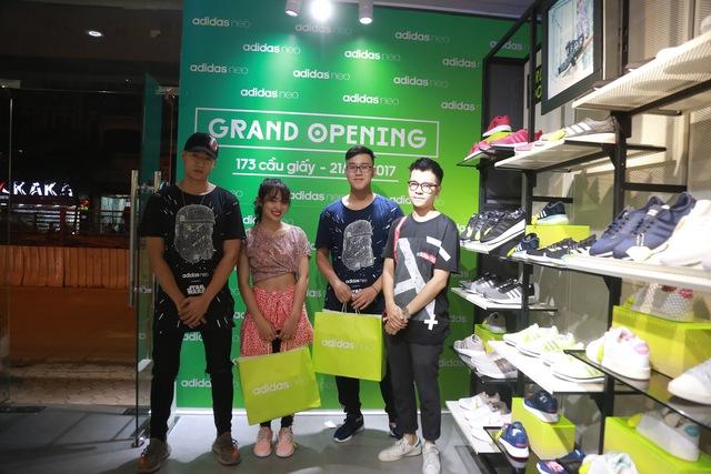 Tín đồ thời trang Việt check in rần rần tại cửa hàng mới nhất của adidas NEO - Ảnh 7.