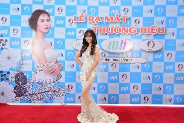 Anh em Phan Thành, Phan Hải diện vest hộ tống Lã Thanh Huyền dự sự kiện của Huyền Lizze - Ảnh 5.
